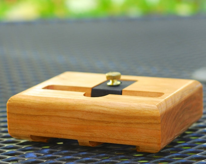 The EICHLER Dock in CHERRY – Fits all iPhone models - Leave your Case on - Boosts the Sound