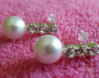 EARRINGS: Elegant White Pearl and Rhinstone Crystal Dangle Sterling Silver Earrings