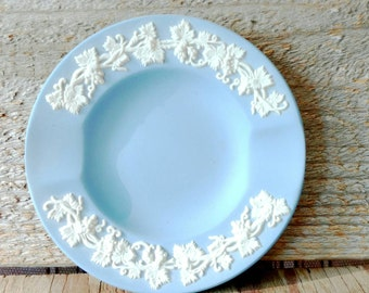 Wedgewood Blue Ashtray Jasperware Wedgwood Round White Grapevines and Leaves 1957