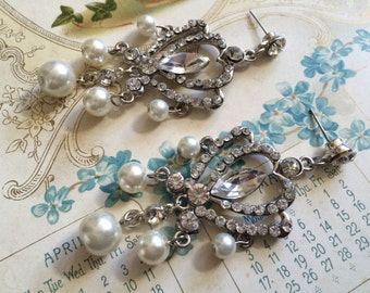 Vintage style dangly pearls and rhinestone crystals wedding bridal bridesmaids party earrings, bridesmaids earrings, wedding jewelry