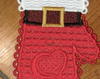 Embroidered Magnet - Christmas - Santa Mitten