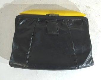 1930s deco handbag of black leather handbag with plastic top bar - 1930s black purse - 1930s handbag - deco bag - faux bakelite purse