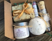 Spa Mother's Day Gift Set, Gift for Mom, Lavender Gift Set, Soap Gift Set with Soap, Lotion, Bath Bomb, Bath Salts and Lip Balm