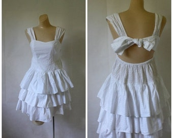 Sale Vintage India Cotton Dress / White Sundress /  India Summer Dress / Tiered Cotton Sundress S