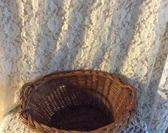 Wicker basket/ vintage clothes pin basket/ vintage storage basket/ farm house basket/ wicker planter