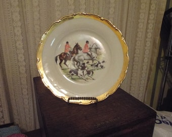 A Hunting We Will Go Plate Made in Czechoslovakia Gold Trim