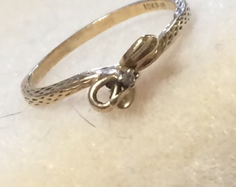 Vintage 10K Gold Bow Ring with Diamond