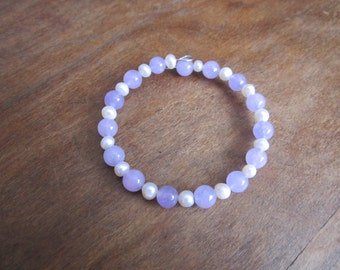 Purple quartz and freshwater pearl bracelet