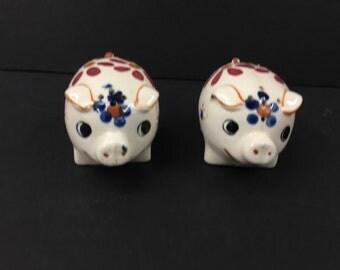 Vintage Hand Painted Porcelain Pig Salt and Pepper Shaker Set Flowers Made in Japan