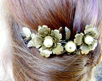 Metal leaf  hair piece, bridal head piece, vintage wedding style,  hair comb, wreath, bronze flower hair piece