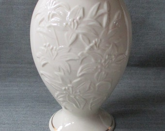 "Lenox LILY 8"" Vase, Embossed Flowers, Ivory Cream Giftware, Gold Trim (1970s-1980s)"