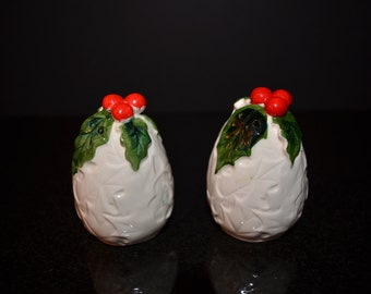 Vintage Lefton White Holly Salt and Pepper Shakers  -  Lefton Exclusives 6061 White Holly Salt and Pepper Shakers - C hristmas Table Decor