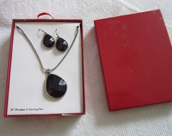 Vintage New in Box Purple Faceted Pierced Earring & Necklace Set Wow!