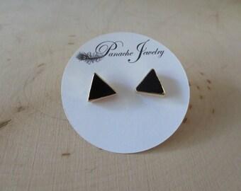 Onyx studs, onyx stud earrings, onyx triangle earrings, geometric studs, black earrings, simple earrings, stud earrings, onyx gold earrings