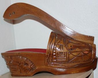 Vintage Hand Carved Solid Wood Shoe Bottle Wine Champagne Holder Server Polynesian Style Design Details