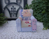 Armchair for Blythe, Pullip ... for your dolls.. 1/6 scale RESERVED FOR CAROL