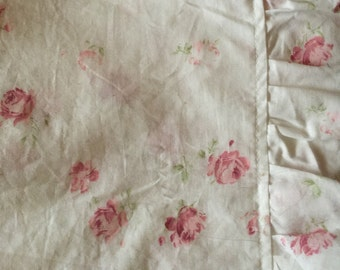 Country Shabby Chic Roses Ruffle Balloon Shade