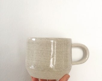 coffee mug with skinny handle in light natural grey / oatmeal