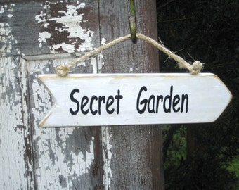 Secret Garden Sign,Wood Garden Sign,Garden Decor, Reclaimed Wood Sign,Rustic Garden Sign,Wooden Garden Sign,Wood Wall Art,Reclaimed Wood Art