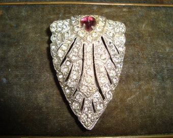 Beautiful Art Deco Fur Clip 1920's