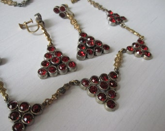 1930s RED GLASS  Necklace & Drop Earrings