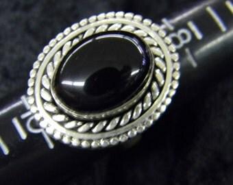 Sterling Silver 925 Amazing Black Onyx Stone Size 9 ET 6081