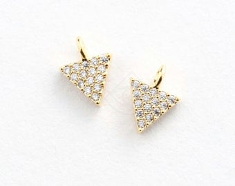 3386011 / Inverted Triangle / 16k Gold Plated Brass with CZ Pendant 6.8mm x 8.8mm / 0.3g / 2pcs