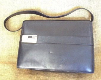 SUMMER SALE Vintage Gucci black leather shoulder bag G logo