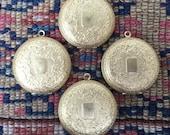 1 or 5 pcs Lot! Deep Large Vintage Locket Gold raw brass ornate Etched Round Pendant Keepsake. Bride jewelry nouveau. bulk options m102