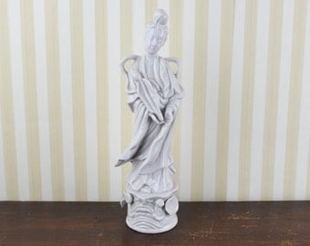Vintage Blanc de Chine Figurine