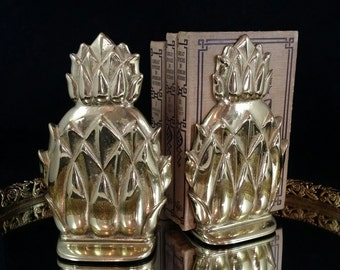 Virginia Metalcrafters Brass Pineapple Bookends Newport Pineapple Bookends Hospitality Gifts