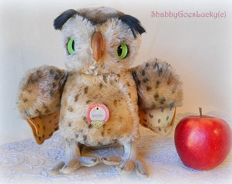 Steiff owl Wittie, large 9 inch standing old German mohair bird with swivel head, glass eyes, felt feet & Steiff chest tag, made 1955 - 1964