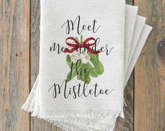 Mistletoe Napkin_Christmas, table setting, tableware, place setting, housewarming gift, party, dinner, event