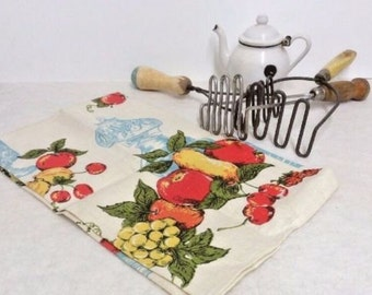 Vintage Linen Tea Towel, Lamp And Fruit Themed, Vintage Kitchen Linens, Vintage Linens, Vintage Hand Towels, Kitchen Linens