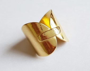 open golden ring