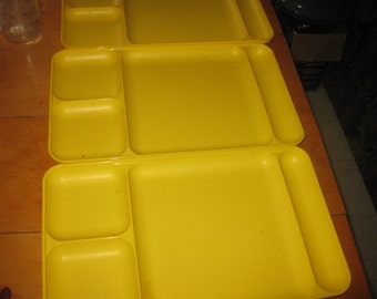 3 Vtg Tupperware yellow Harvest Collection divided Trays 16 L x 9W Great for feeding children / camping / snacks or crafting