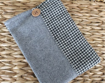 E reader sleeve, kindle cover, kindle sleeve, kobo case, e reader cover, fabric sleeve for kindle, paperwhite cover, black and white check