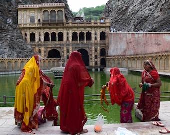 India Photography // Travel Photography // India Art // Indian Photography // Jaipur Photography // Rajasthan // Sari Print // Hindu Art