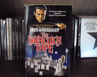 The Dracula Tape by Fred Sabrehagen 1989, TOR Vintage Horror Fiction Paperback Book