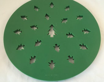 """Pie Top Cutter, Christmas Tree Imprints, 9-1/2"""" Wide, Christmas Tree Pie Topper"""