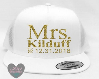 Mrs Hat. Bride Hats. Wedding Hat. Honeymoon Hat. Snapback Hat. Bridesmaid Hats. Honeymoon Gift.  Party Hat.  Hat