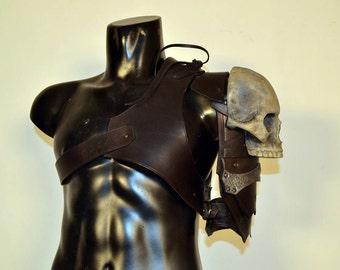Barbarian Pauldron, Viking pauldron, Orco Pauldron, leather shoulder pauldron, leather pauldron, larp pauldron