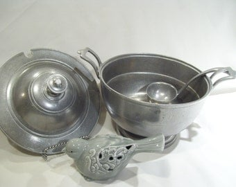 Wilton Armetale Columbia Pewter RWP 2 Piece Covered Dish-Covered Casserole Dish-Fancy Serving Dish,Vintage Shell Design Handles