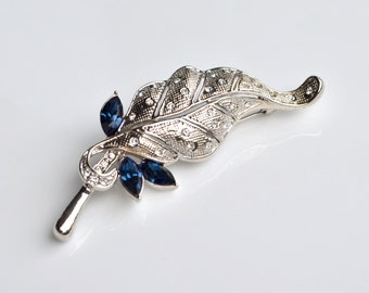 Blue leaf vintage brooch