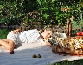 Picnic set, picnic basket, wicker picnic set, willow picnic basket, woven basket, picnic blanket, wicker basket, garden-party,  picnic in 2