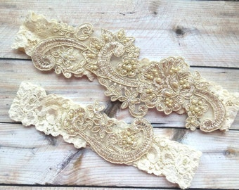Gold Beaded Garter, Ivory Beaded Garter, Ivory Lace Wedding Garter, Pearl Garter, Lace Bridal Garter, Ivory Garter Set, Gold ivory garter
