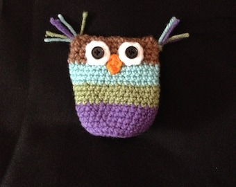 Crocheted Owl Button Pouch