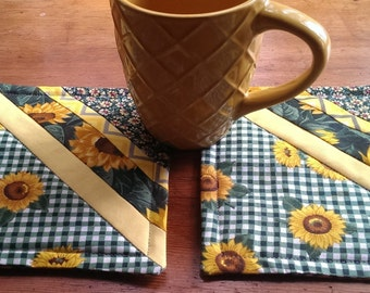 Pair of Quilted Mug Rugs, Mug Mats, Summer sunflowers. Green and Yellow. Snack Mats,  Pair of Mats.  Approx. 6.75 inches. Great gift!