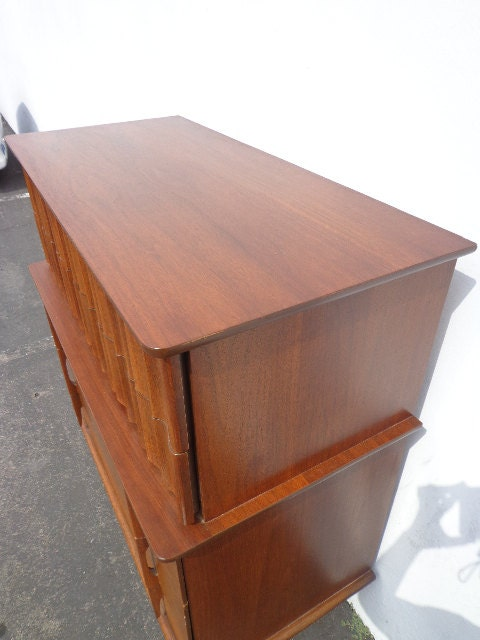 Mcm Dresser United Furniture Chest Of Drawers Mid Century