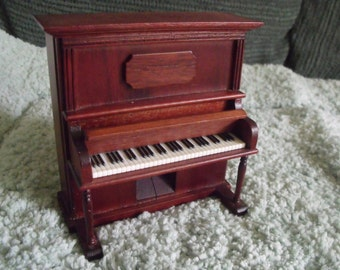 Intricate Piano music box